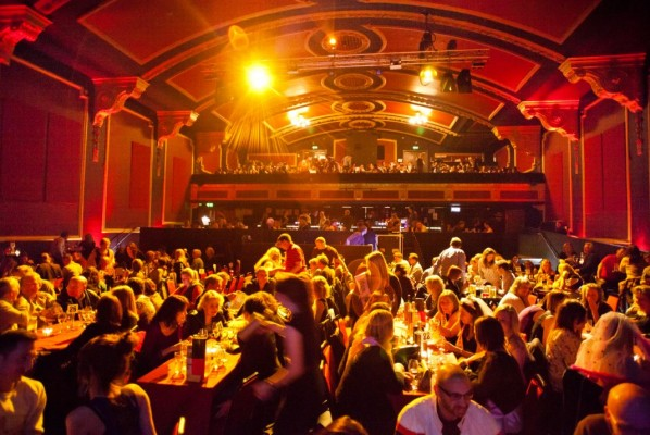 Category:Entertainment venues by country